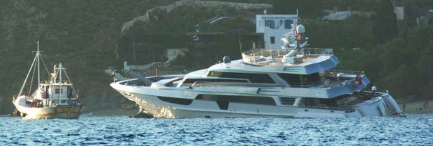 Yacht &quot;Antalis&quot; distressed in Aegiali Port