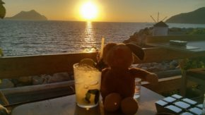 Was invited by my friends to a sunset-mojito in …