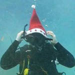 Underwater-New-Years-Cake-Cutting